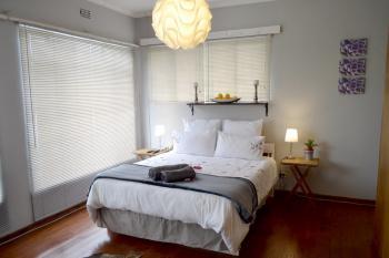 10_bedroom.jpg