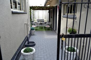 32_courtyard.jpg